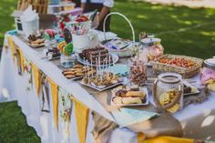 Todo lo que hay que saber para montar un candy bar Bar, Table Decorations, Home Decor, Filled Candy, Jelly Beans, Candies, Pallets, Homemade Home Decor, Interior Design