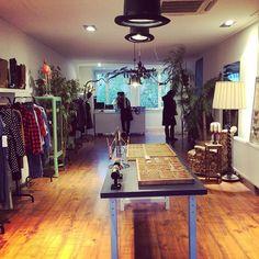 """Open in #amsterdamoost .. Klein Berlijn! Een nieuwe dameskleding winkel aan de #Middenweg met sieraden en verse thee!"""""""