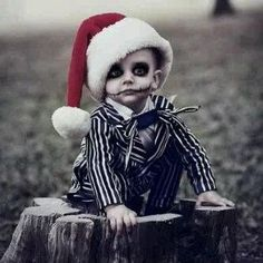 MERRY XMAS This is super cute in a creepy way!