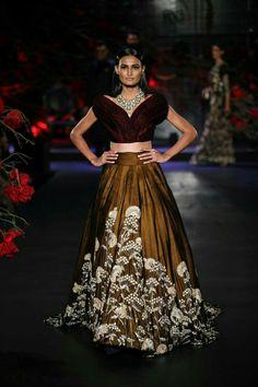 ~ Living a Beautiful Life ~ Manish Malhotra Empress Story 2015 Couture collection - Manish Malhotra Pakistani Bridal Wear, Bridal Lehenga Choli, Punjabi Bride, Lehnga Dress, Ghagra Choli, Lehenga Blouse, Indian Lehenga, Indian Designer Outfits, Designer Dresses