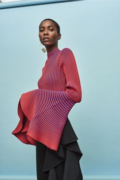 Discover the full Solace London collection of knitwear with brand exclusives online now. Shop knitted dresses, tops and skirts with UK next day or express global shipping. Runway Fashion, High Fashion, Womens Fashion, Fashion Fashion, Mode Outfits, Fashion Outfits, Fashion Details, Fashion Design, Knitwear Fashion