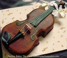 I can't believe it's a cake #violin cake