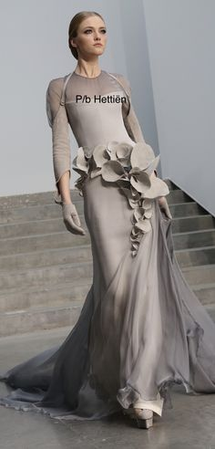 Haute Couture Gowns, Haute Couture Fashion, Couture Dresses, Fashion Dresses, Stephane Rolland, Beautiful Gowns, Beautiful Outfits, Nice Dresses, Formal Dresses