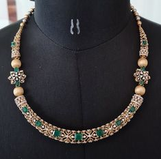 Gold Jewelry Simple, Stylish Jewelry, Simple Necklace, Gold Necklace, Gold Earrings Designs, Diamond Jewelry, Eid Greetings, Dimonds, Gold Models