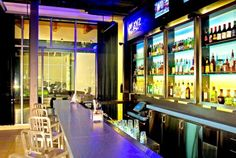 Aloft Mount Laurel W xyz Bar
