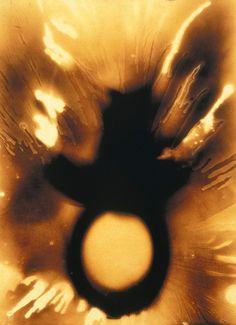 Ives Klein - Peinture de feu sans titre (F 67), 1962, 50 x 38 cm.