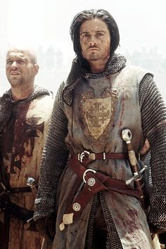 What a (hot) Crusader might dress like. (This is Orlando Bloom in the film Kingdom of Heaven) Medieval Knight, Medieval Armor, Medieval Fantasy, Armadura Medieval, Crusader Knight, Knight Armor, Kingdom Of Heaven, Medieval Costume, Arm Armor