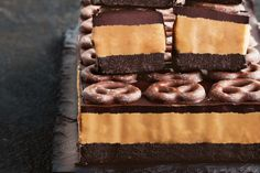 Choc-pretzel and peanut butter slice Sweet, salty, crunchy and chocolatey – this super-easy slice is almost too good! Sweets Recipes, Just Desserts, Baking Recipes, Delicious Desserts, Cake Recipes, Yummy Food, Peanut Butter Slice, Peanut Butter Desserts, Chocolate Slice