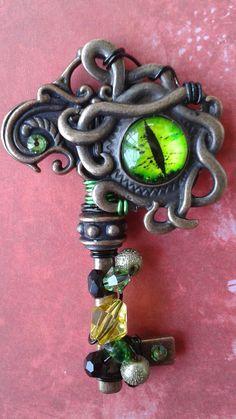 Dragon's Eye Key от DesignsbyMerrique на Etsy