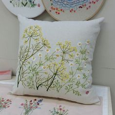 Wonderful Ribbon Embroidery Flowers by Hand Ideas. Enchanting Ribbon Embroidery Flowers by Hand Ideas. Cushion Embroidery, Crewel Embroidery Kits, Embroidery Flowers Pattern, Learn Embroidery, Hand Embroidery Designs, Embroidered Cushions, Embroidery Supplies, Embroidery Needles, Embroidery Ideas