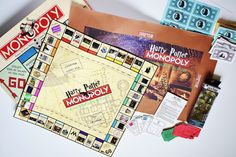 Create your DIY Harry Potter Monopoly Game with our step by step tutorial and FREE printables. Make this game for any Harry Potter lover! Free Harry Potter Games, Harry Potter Board Game, Harry Potter Monopoly, Harry Potter Activities, Harry Potter Printables, Monopoly Game, Harry Potter Theme, Harry Potter Facts, Harry Potter Diy