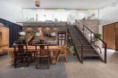 Ganhe uma noite no Stay in an Amazingly Cool Loft - Lofts para Alugar em Xangai no Airbnb!