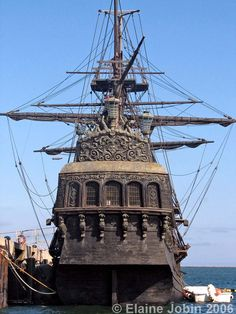 Black Pearl Pirate Ship | The Black Pearl Pirates of the Carribean Pirate Ship in San Pedro ... detail of back