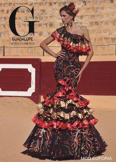 Flora flora bianca Flamenco Costume, Flamenco Dancers, Flamenco Dresses, Special Dresses, Unique Dresses, Spanish Dress, Spain Fashion, Flamingo Dress, Mexican Dresses