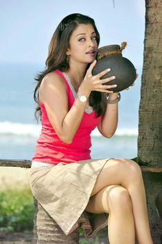 Aishwarya Rai Hot And Sexy Bikini Photoshoot Topless Images, Sizzling Figger Aishwarya Rai Hottest Actress Of Bollywood Bachchan Wife. Bollywood Theme, Indian Bollywood Actress, Bollywood Girls, Indian Actresses, Actress Aishwarya Rai, Aishwarya Rai Bachchan, Mangalore, Miss World, Most Beautiful Indian Actress