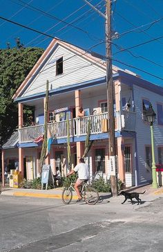 Colorful conch cottages in Bahama Village in Key West are representative of African-Bahamian heritage and Caribbean architecture. The corner of Petronia and Whitehead streets houses a brick plaza with exotic shops and a village market.