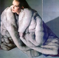 White Fox, Blue And White, Vintage Fur, Vintage Leather, Fur Coat Fashion, Fabulous Fox, Fur Coats, Fox Fur Jacket, Arctic Fox