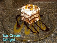 This ice cream delight recipe of yummy goodness will be sure to leave your guests begging for more. Cold Desserts, Frozen Desserts, Easy Desserts, Delicious Desserts, Dessert Recipes, Frozen Drinks, Frozen Treats, Football Desserts, Making Homemade Ice Cream