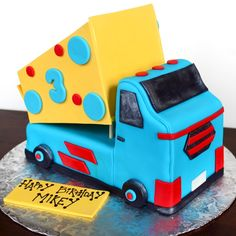 Mikey's Truck Cake from @Meghan Krane McGarry {Buttercream Blondie}