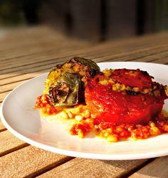 καθαρόαιμα γεμιστά πολίτικα - η συνταγή | Pandespani Lasagna, Recipies, Sweet Home, Cooking Recipes, Snacks, Breakfast, Ethnic Recipes, Food, Crochet