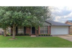 Bossier City home for sale in Golden Meadows Sub subdivision, 5604 BAYOU Dr, Bossier City LA - $164900. Listing shown on http://www.shreveport-real-estate.net/shreveport-mls-detail.php?mls_num=N157898 and hosted by Shreveport Real Estate LLC, 2520 Bloomfield Lane, Haughton, LA 71037 (318) 272-0951. Licensed by the Louisiana Real Estate Commission. Listing courtesy of Coldwell Banker Gosslee. #BossierCityHomeForSale #BossierCityRealEstate #RealEstate #HomesForSale #GoldenMeadowsSub
