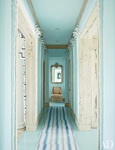 24 Rooms That Showcase Blue-and-White Decor Photos | Architectural Digest