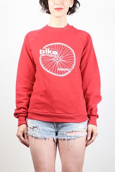 Vintage Bicycle Sweatshirt 1980s Boyfriend Sweater Red White Bike Vermont Woodstock VT Hipster Athletic Cycling T Tshirt Jumper S M Medium #1980s #80s #sweatshirt #sweater #jumper #tshirt #bike #bicycle #cycling #vermont #novelty #print #hipster #etsy #vintage