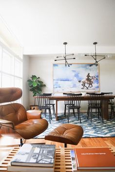 Some home design ideas can become reality and proof of that is this mid-century apartment designed by a Russian designer. Filled with amazingly chosen colours while maintaining its sobriety, this is the home decor inspiration you've been dreaming about!