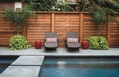 I like this fence. Outer Space: Jenks Fence Co. installed this cedar fence with horizontal slats, adding to the contemporary setting. The new homeowners also added a pool and hot tub when they moved into the modern manor. Front Yard Fence, Pool Fence, Backyard Pergola, Fence Gate, Fenced In Yard, Pergola Kits, Pergola Ideas, Back Yard Fence Ideas, Easy Fence