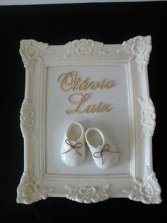 Quadro para porta da maternidade e quarto do bebê produzido por Mônica Guedes