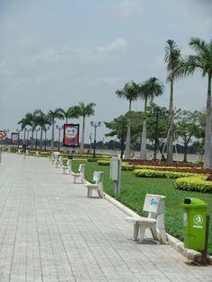 Promenade by the Mekong in Phnom Phen