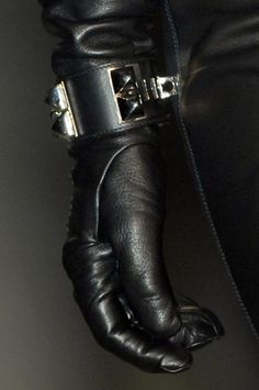 .black leather glove love... I need some badass leather gloves this winter!!!