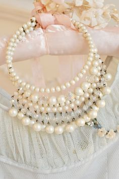 queenbee1924: Pearls on a hanger via I have a few hang ups