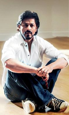 shahrukh of the day: Bearded Actors Male, Black Actors, Actors & Actresses, Shahrukh Khan And Kajol, Male Models Poses, John Abraham, Sr K, Beard Lover, King Of Hearts