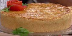 Aprenda a fazer essa receita deliciosa de empadão de frango e palmito com massa crocante que desmancha na boca!