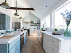 Tour the two-story Galveston beach house Drew completely transformed to earn him a long-awaited victory on Brother vs. Drew Scott, Jonathan Scott, Beach House Kitchens, Cottage Kitchens, Home Kitchens, House Of Turquoise, Kitchen Photos, Kitchen Ideas, Kitchen Decor