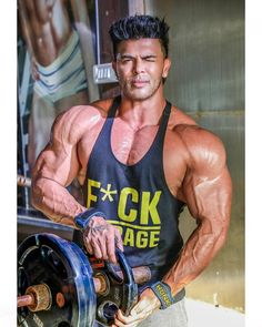 fitness no pain no gain homme musculation muscles thé modèles Fitness Icon, Mens Fitness, Fitness Models, Muscle Fitness, Best Workout Routine, Workout Tips, Workout Plan For Beginners, Gym Girls, Gym Rat