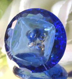 ART DECO DEPRESSION ERA TRANSPARENT COBALT BLUE FACETED GLASS BUTTON K5