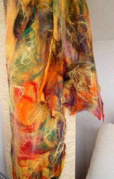 Sciarpa in lana merino e seta infeltrita ad di CreazioniMonica
