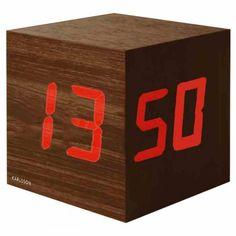 61-reveil-snooze-cube-en-bois