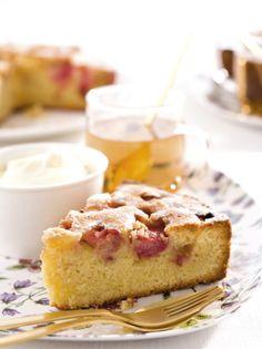 Recept voor een smeuïge cake met rabarber en amandelen Cake Recept, Homemade Birthday Cakes, Valentine Cake, Rhubarb Recipes, Piece Of Cakes, High Tea, Sweet Recipes, Bakery, Deserts