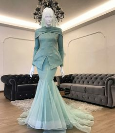 New Fashion Runway Party Ideas Style 44 Ideas Hijab Fashion, Runway Fashion, Fashion Dresses, Style Fashion, Trendy Dresses, Casual Dresses, Bridal Dresses, Bridesmaid Dresses, Dress Wedding