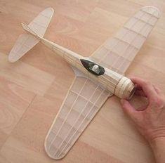 Mike's flying scale model pages - Scale Models Craft Font, Balsa Wood Models, Instruções Origami, Airplane Crafts, Wooden Plane, Cardboard Art, Aircraft Design, Model Airplanes, Paper Models