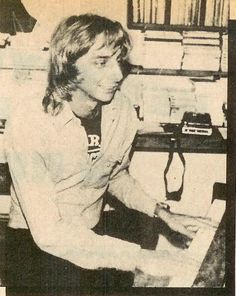 Barry Manilow 80s | Barry At The Piano - barry manilow Photo (36883010) - Fanpop