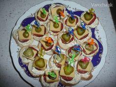 Cesnaková nátierka na jednohubky Desserts, Food, Tailgate Desserts, Deserts, Eten, Postres, Dessert, Meals, Plated Desserts