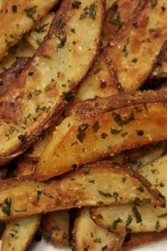 Potato Side Dishes, Vegetable Dishes, Vegetable Recipes, Vegetarian Recipes, Cooking Recipes, Side Dish Recipes, Dinner Recipes, Parmesan Fries, Parmesan Potatoes