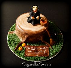 Amazing Spooky Halloween cake. Witch cake topper and black cat.