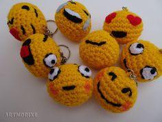 Llaveros Love Crochet, Crochet Gifts, Crochet Motif, Knit Crochet, Handmade Toys, Handmade Crafts, Knitting Projects, Crochet Projects, Hello Kit