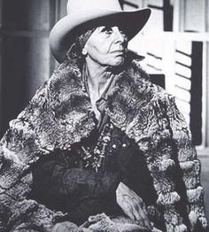Louise Nevelson photographer unknown
