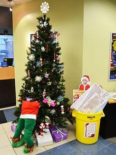 Huron Elf Stuck In Tree Bellco Credit Union Christmas Decorations